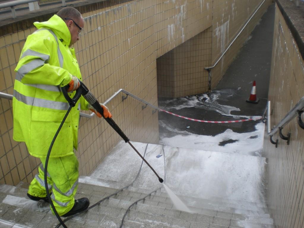 Lavado a presión de fachadas y pisos